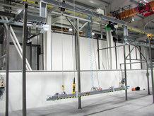 Lifting station in a paint finishing system